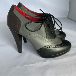 Shoes of Prey Oxford pump booties sz 8.5 euc